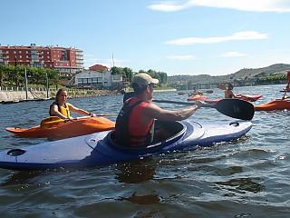 Sessão prática de canoagem