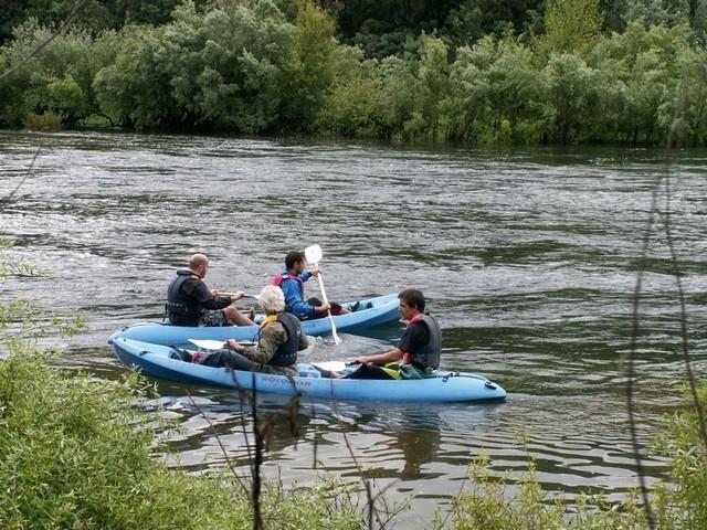 rio_moinhos1; Descida; kayak; zezere;Tejo; Nabão; Mondego; canoa; aventura; esquimotagem; caiaque; passeios; pedestres; caminhadas; formação; pagaia; descidas; rio; montanhismo; orientação; rapel; slide; rappel
