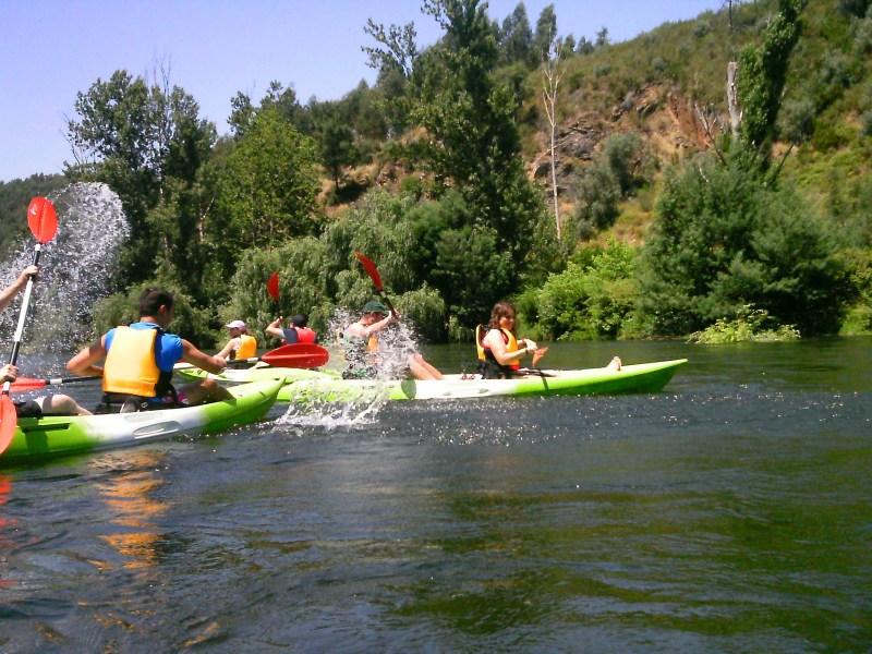 zezere1; Descida; kayak; zezere;Tejo; Nabão; Mondego; canoa; aventura; esquimotagem; caiaque; passeios; pedestres; caminhadas; formação; pagaia; descidas; rio; montanhismo; orientação; rapel; slide; rappel